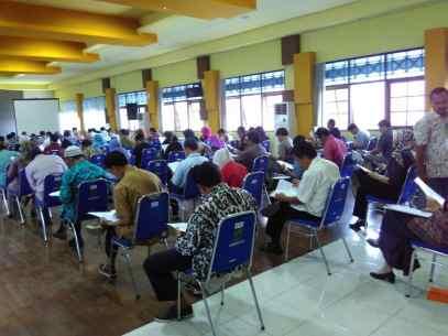 Pelaksanaan tes tertulis Calon Anggota Panwascam se-Kabupaten Banjarnegara, di Aula Setda Banjarnegara, 16 September 2017.